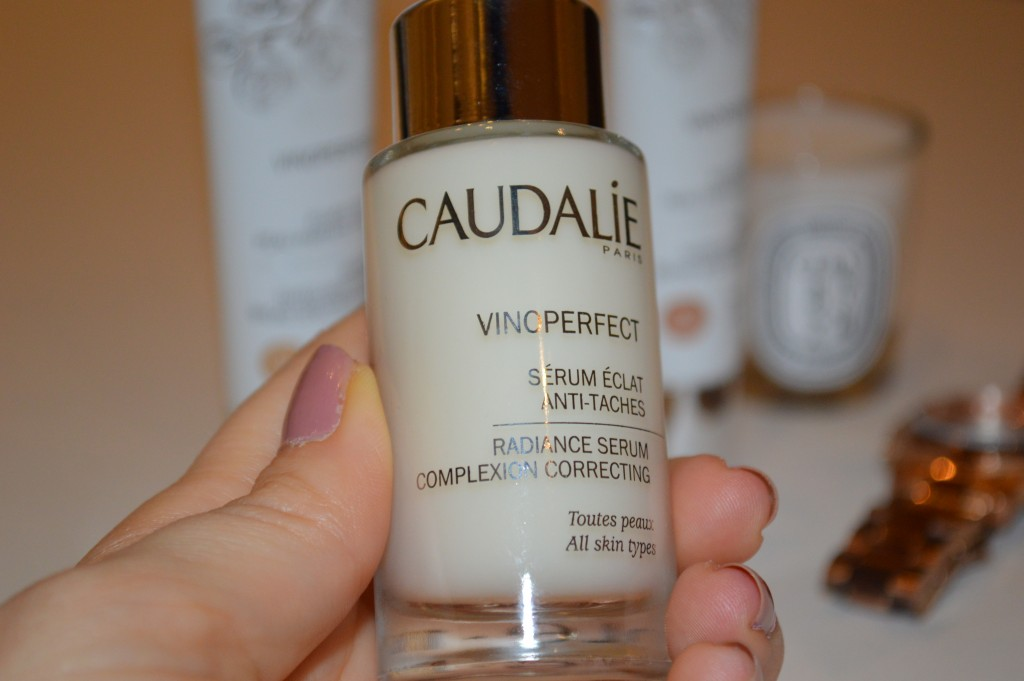 Caudalie Vinoperfect Radiance Tinted Moisturizer - Product: VINOEPERFECT SERUM