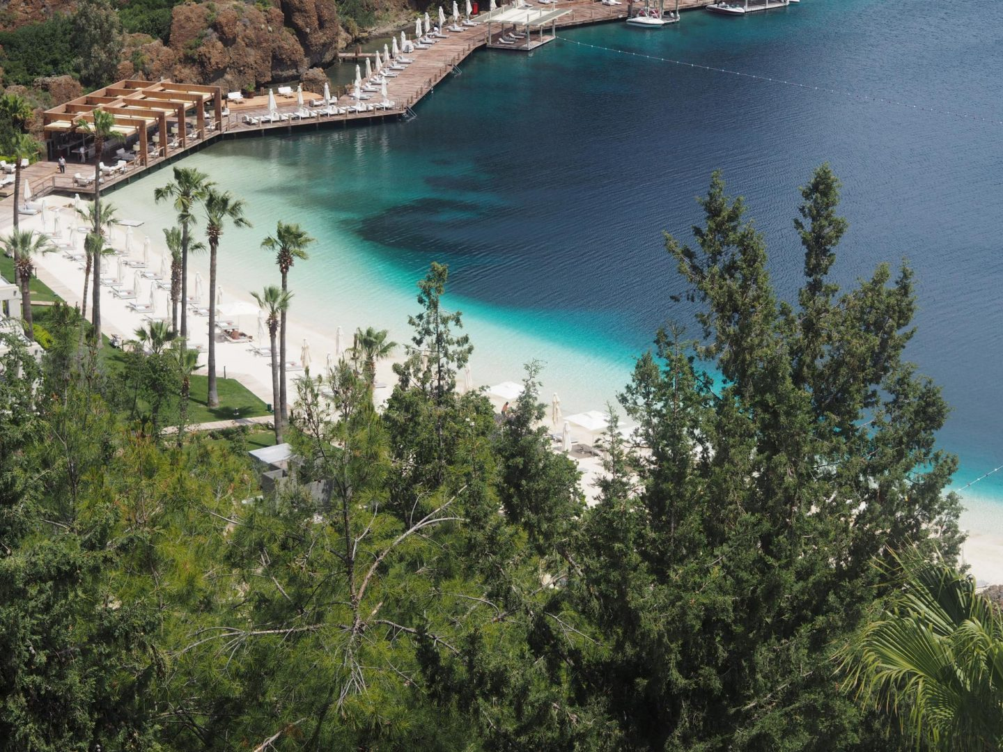 Touch of Luxury: Turquoise Seas at D-Hotel Maris
