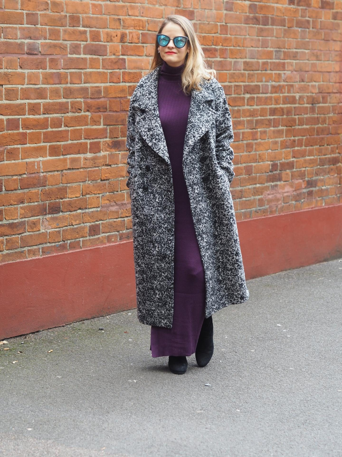 Long speckled coat with long dress