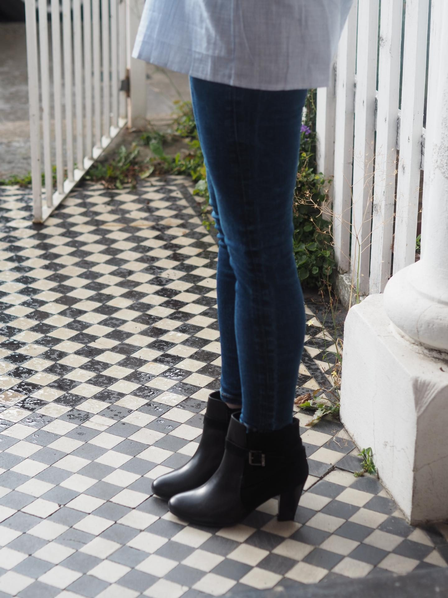 Topshop skinny jeans paired with Suede ankle boots