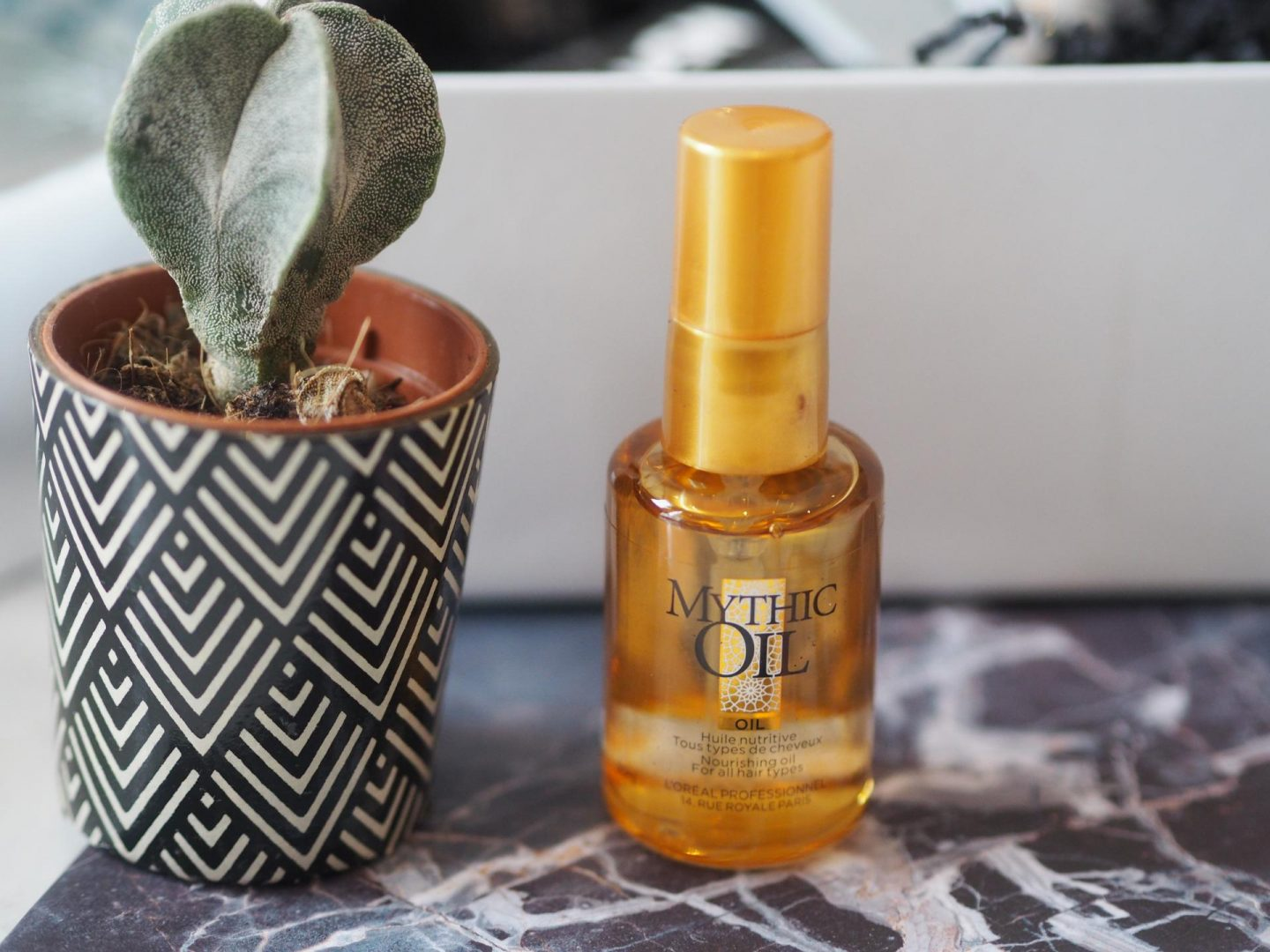 Lookfantastic #LFSparkle Box - Product: L'Oreal Professional Mythic Oil