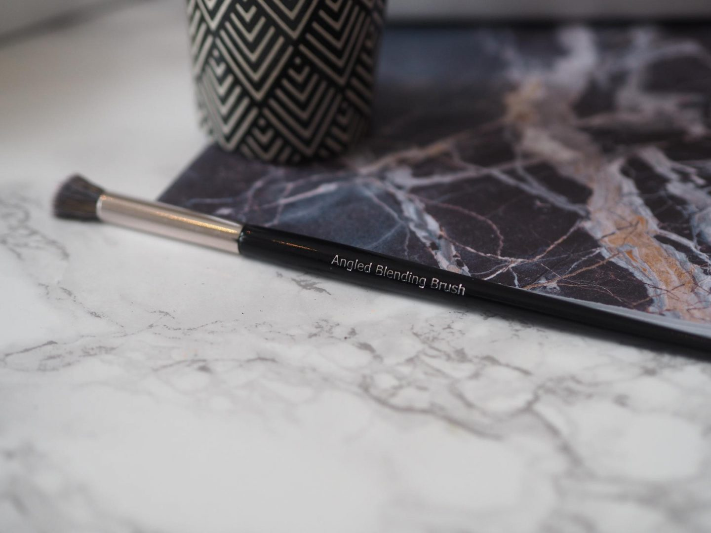Lookfantastic #LFSparkle Box - Product: Angled Blending Brush