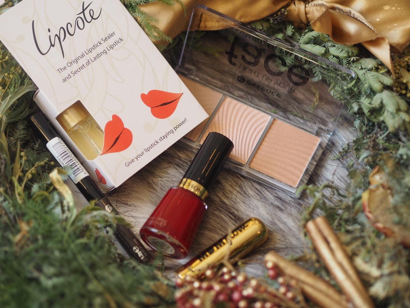glossybox-december-christmas-box and lipcote lipstick sealer