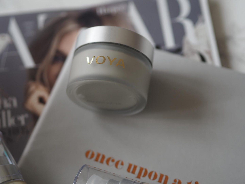 Voya Get Glowing Illuminating Clay Mask