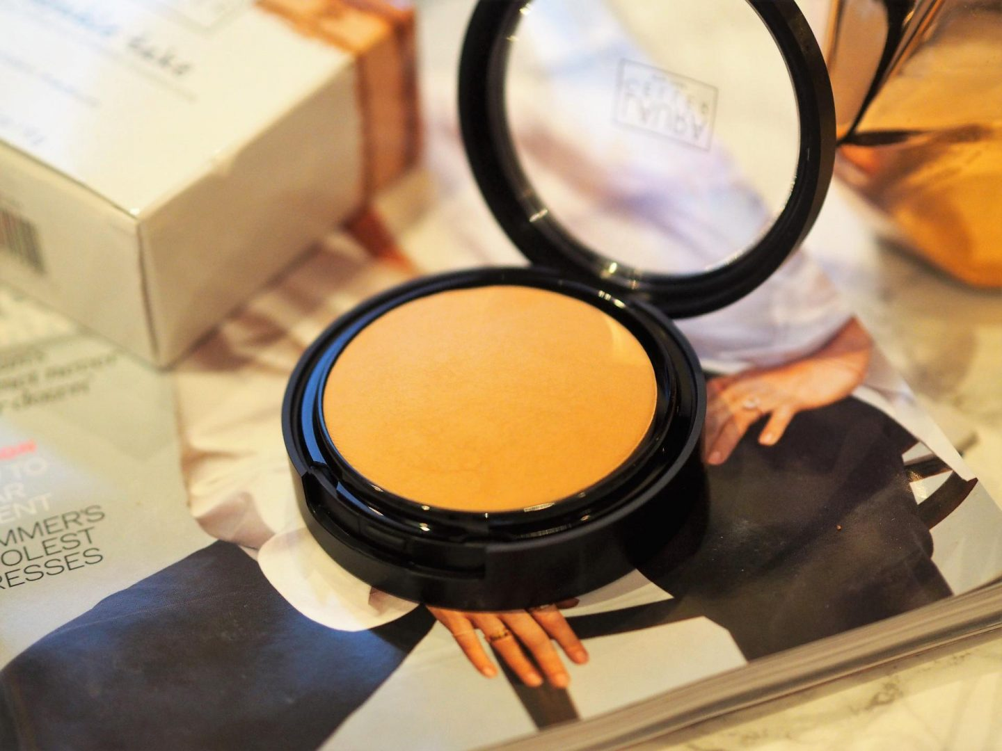 Laura Gellar Double Take Baked Versatile Powder Foundation