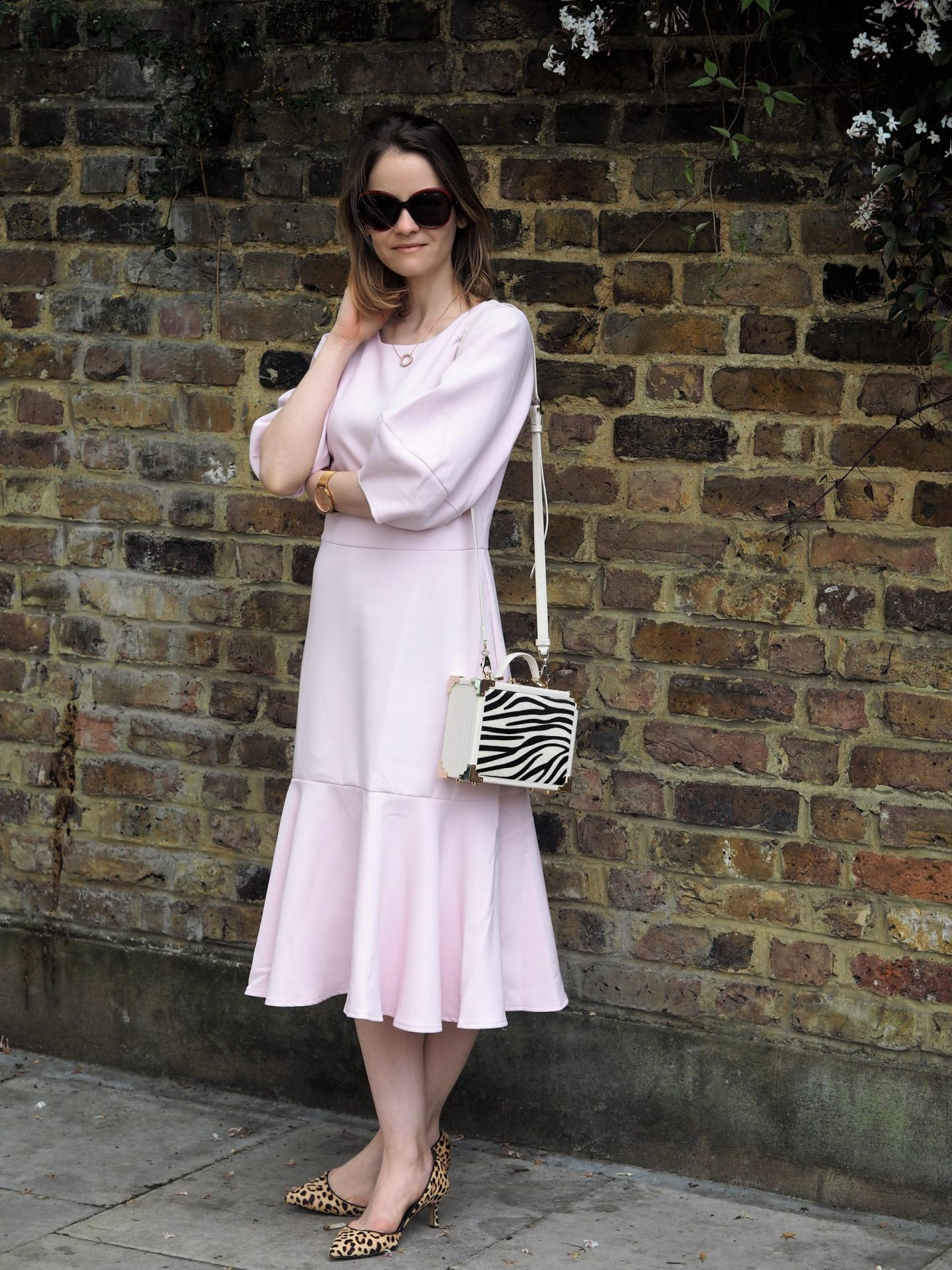 Closet London Pale Pink Lantern Sleeve Pep Hem Dress