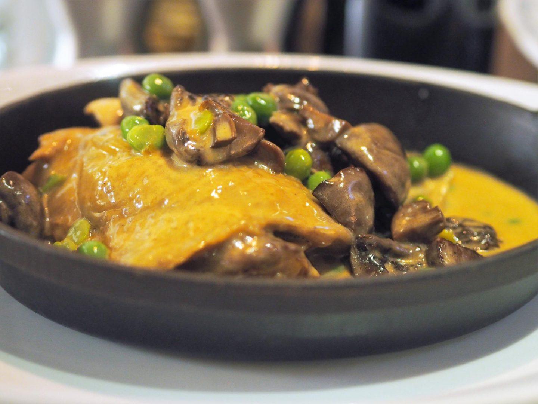 Poulet Noir Tratra restaurant