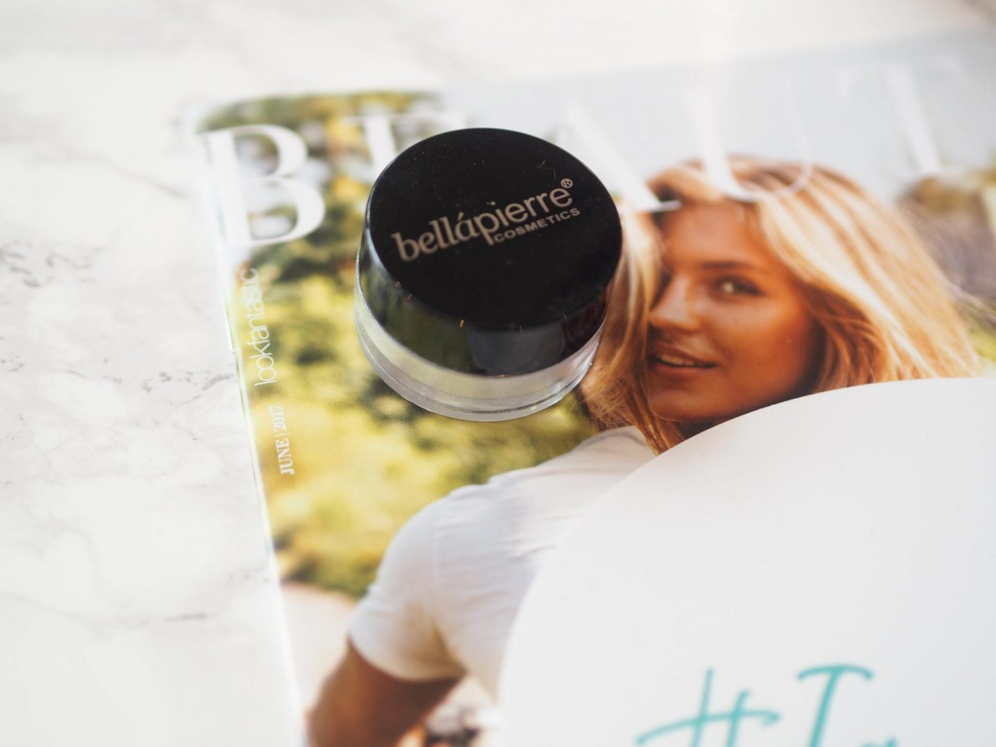 Lookfantastic Wanderlust Beauty Box - Product: Bellapierre Shimmer Highlighter