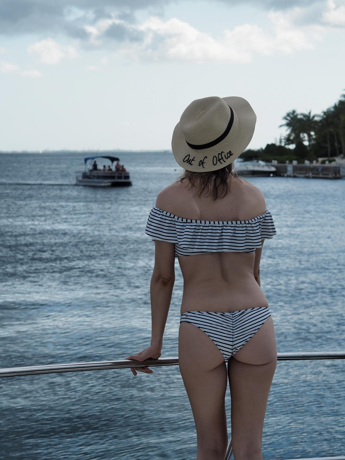 Cayman Brac - Le Soleil d'Or Cayman Islands - Victoria's Secret Swimsuit
