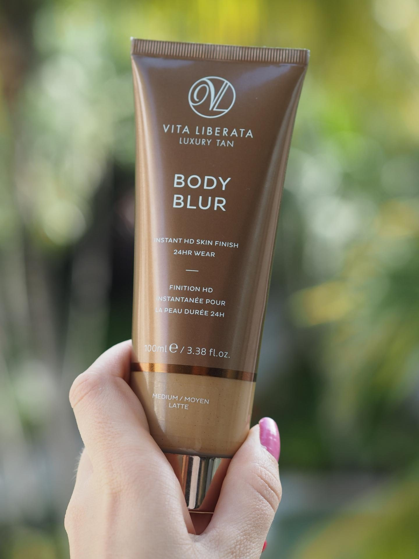 Holiday Beauty - Product BODY BLUR
