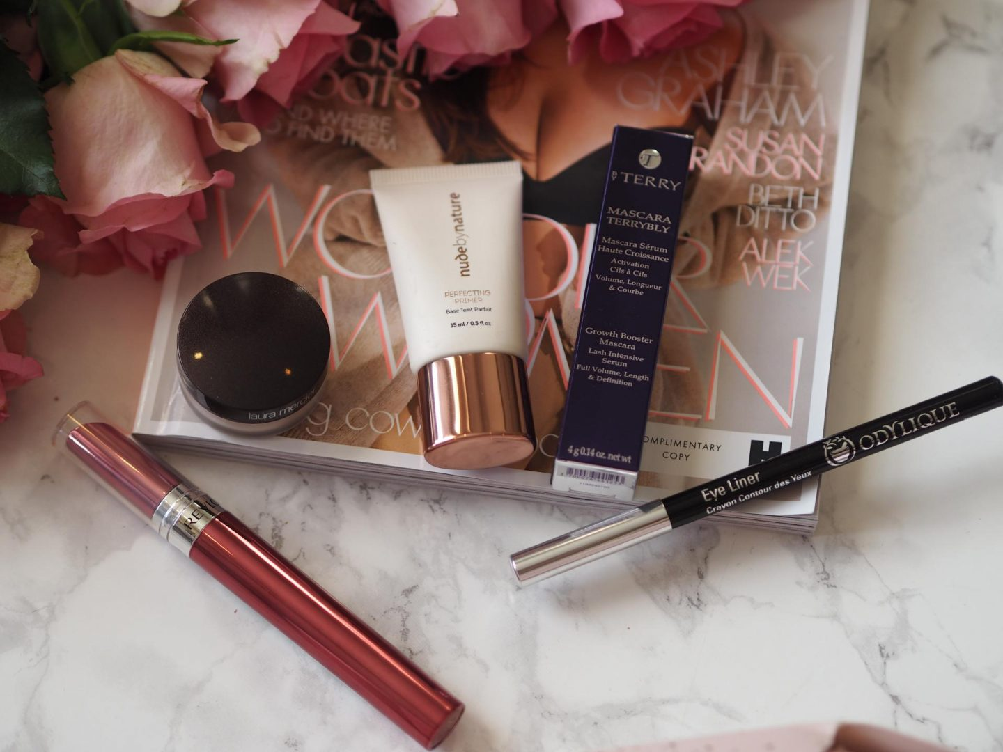 Makeup Essentials Cracker by Feelunique