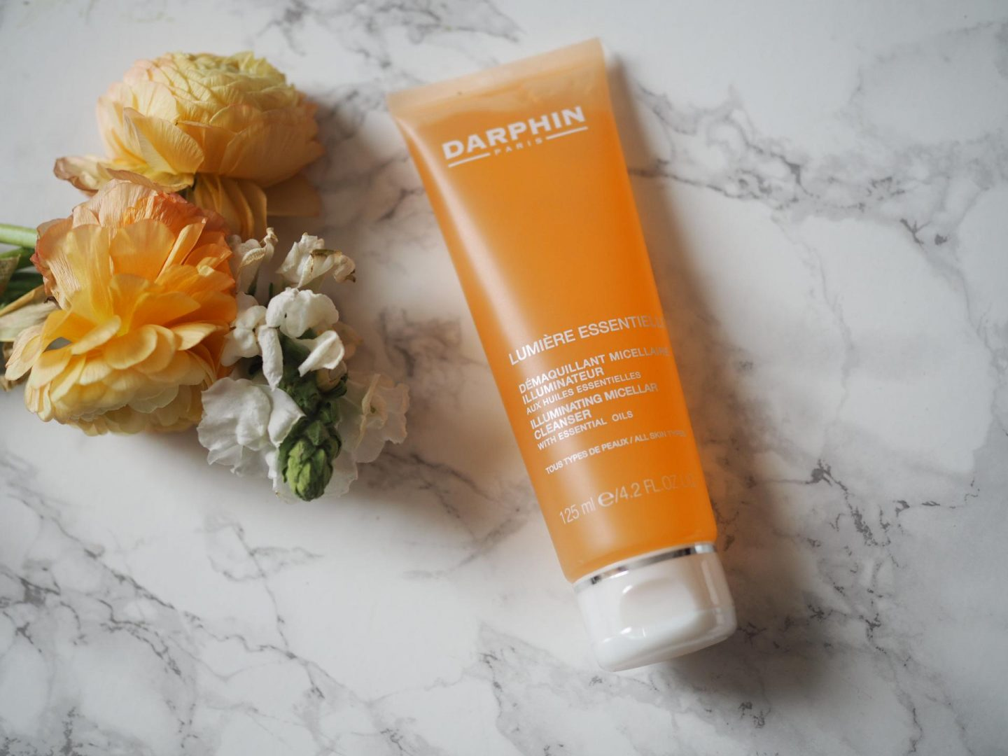 Darphin Lumiere Essentielle Illuminating Micellar Cleanser