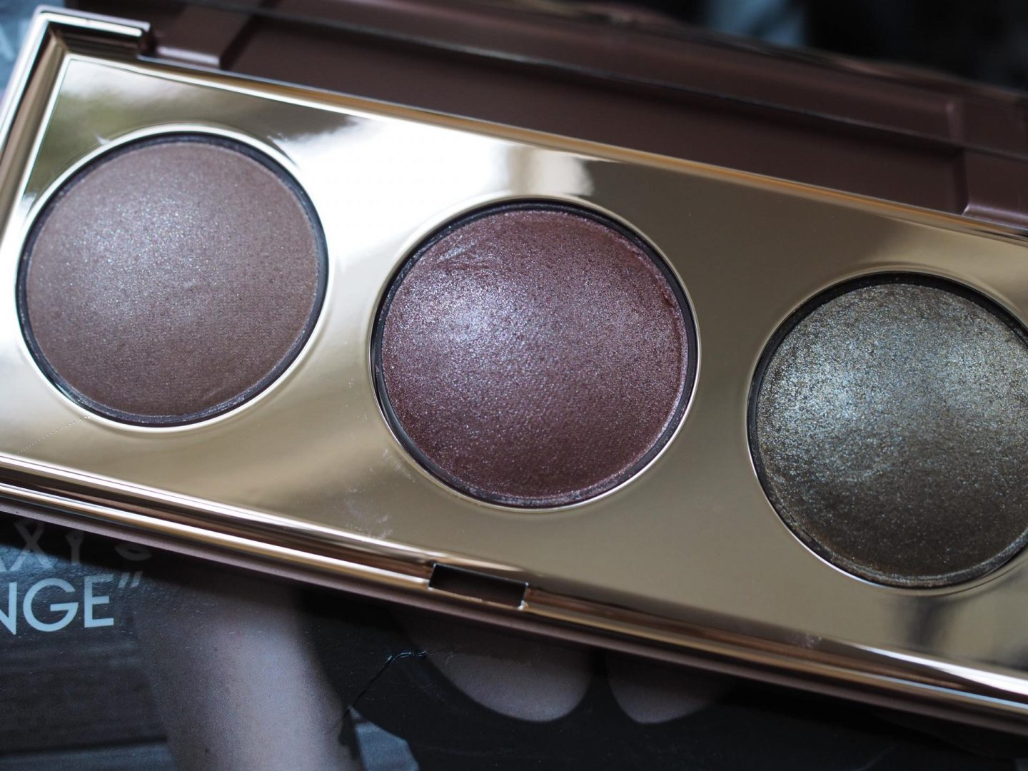 Stila Shine Bright Heaven's Dew Palette and holiday make-up look