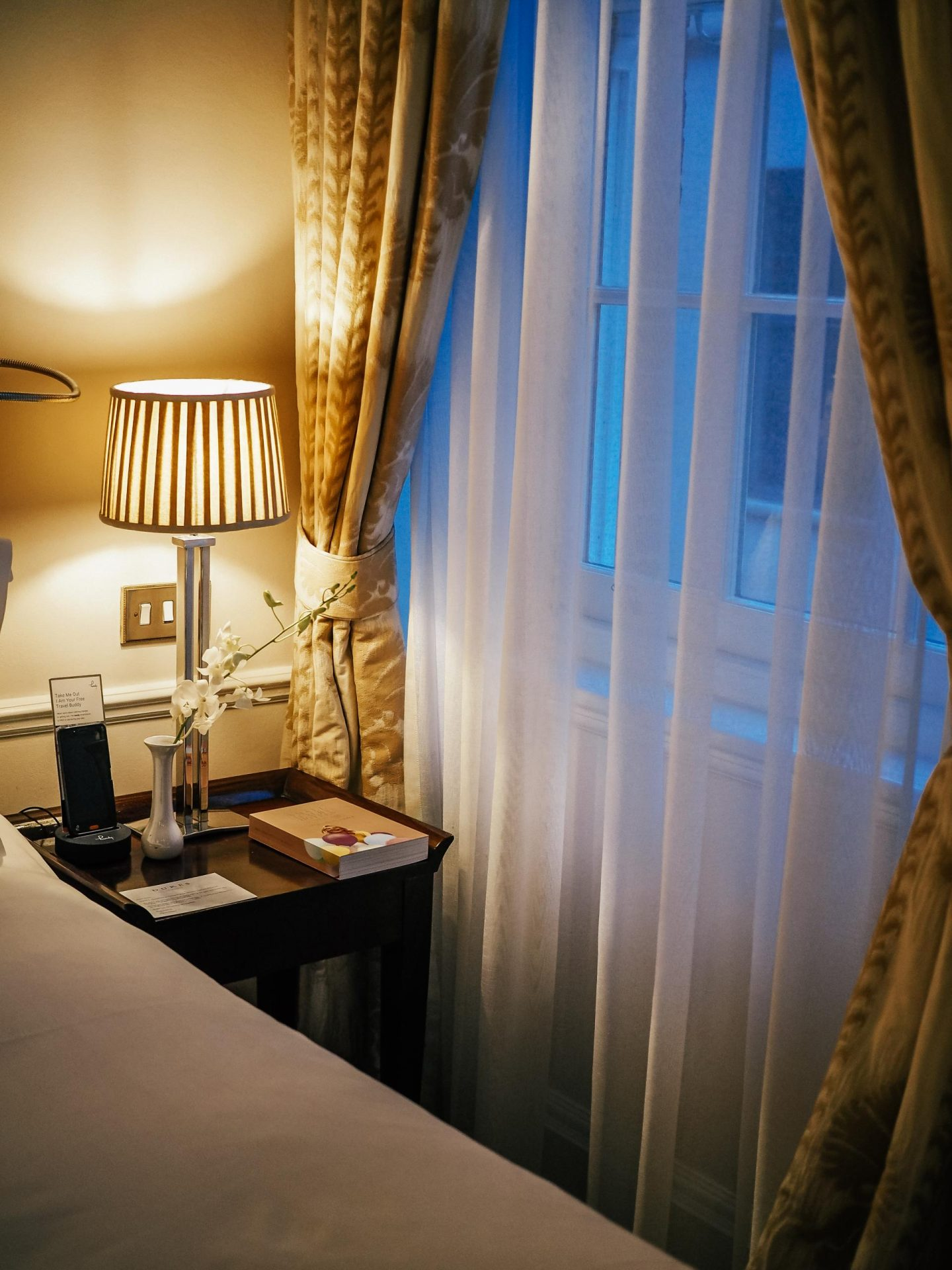 Dukes Hotel London junior suite